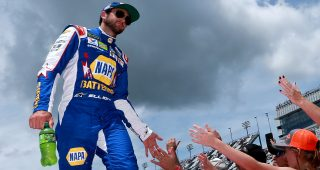 Chase Elliott Voted Most Popular Driver for Second Consecutive Season