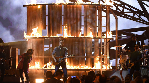 """Blake Shelton is a secret Nick Jonas groupie in new ad for """"The Voice"""""""