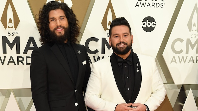 Dan + Shay deliver an unforgettable gift to three Nashville-area families experiencing homelessness