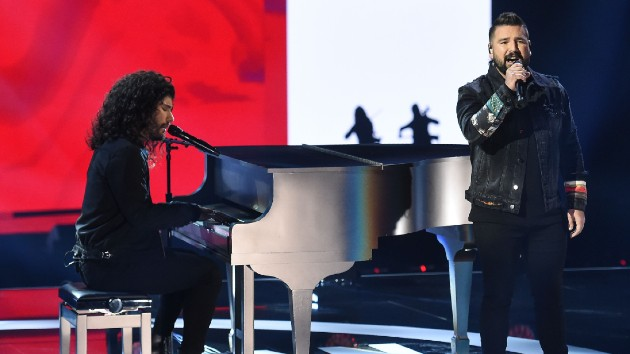 """What it's like to spend """"10,000 Hours"""" on Christmas morning with Dan + Shay"""